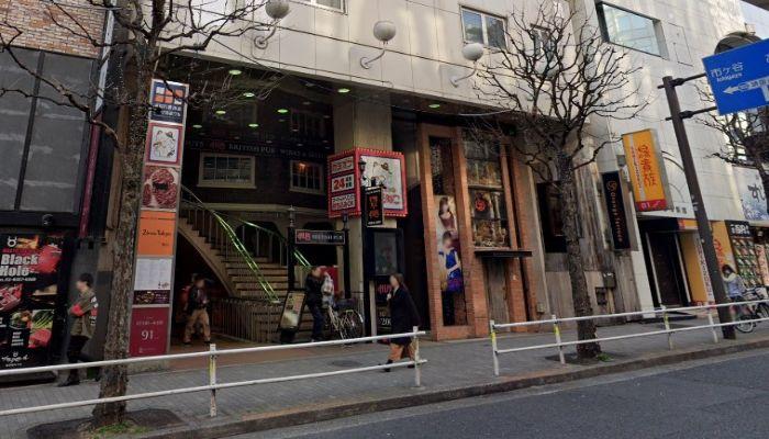 HUB新宿区役所通り店